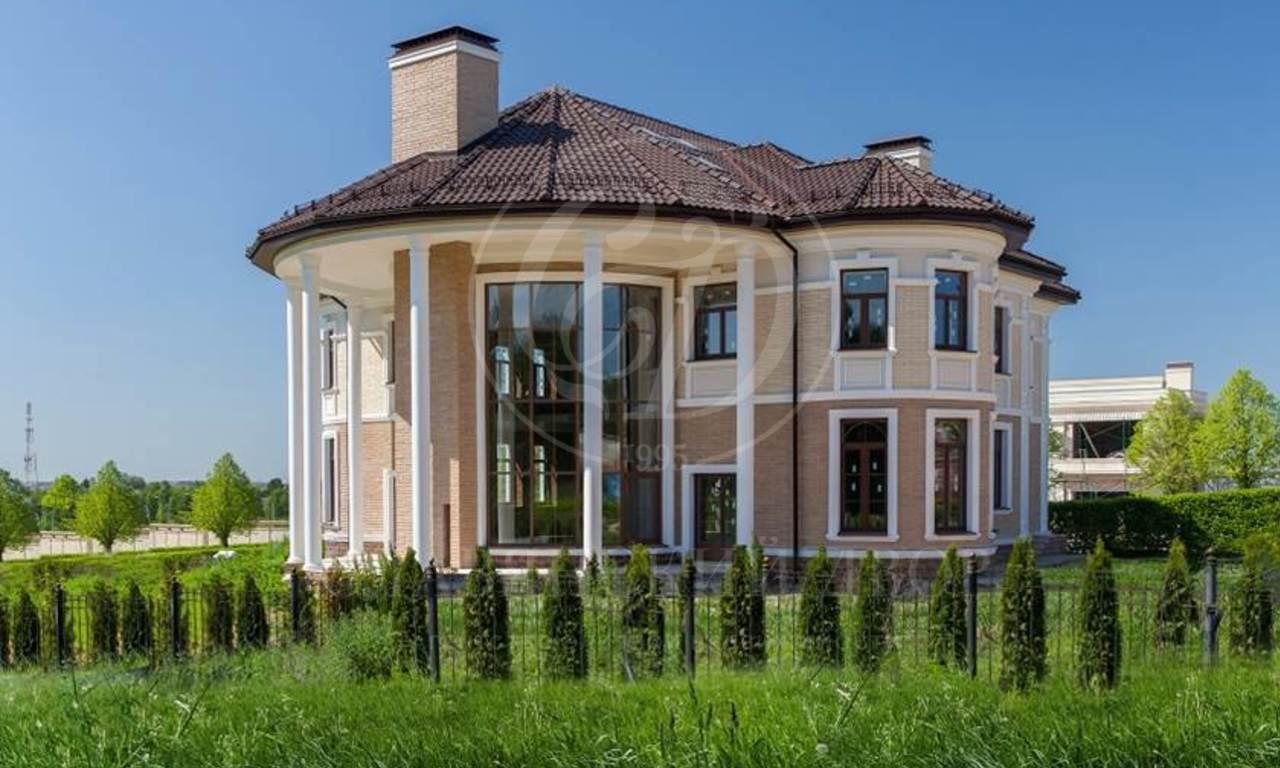 На продажу дом впоселке Ренессанс парк