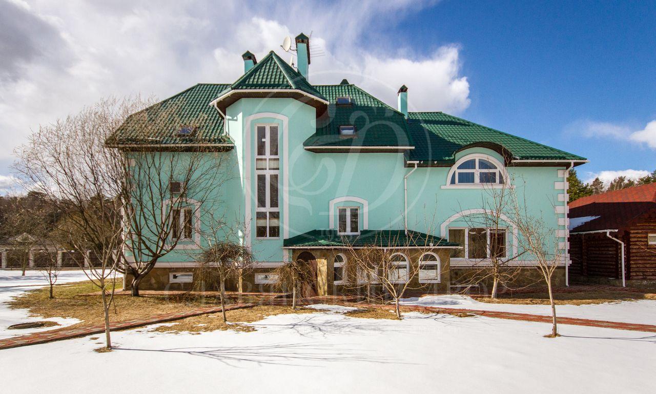 На продажу дом впоселке Белая гора