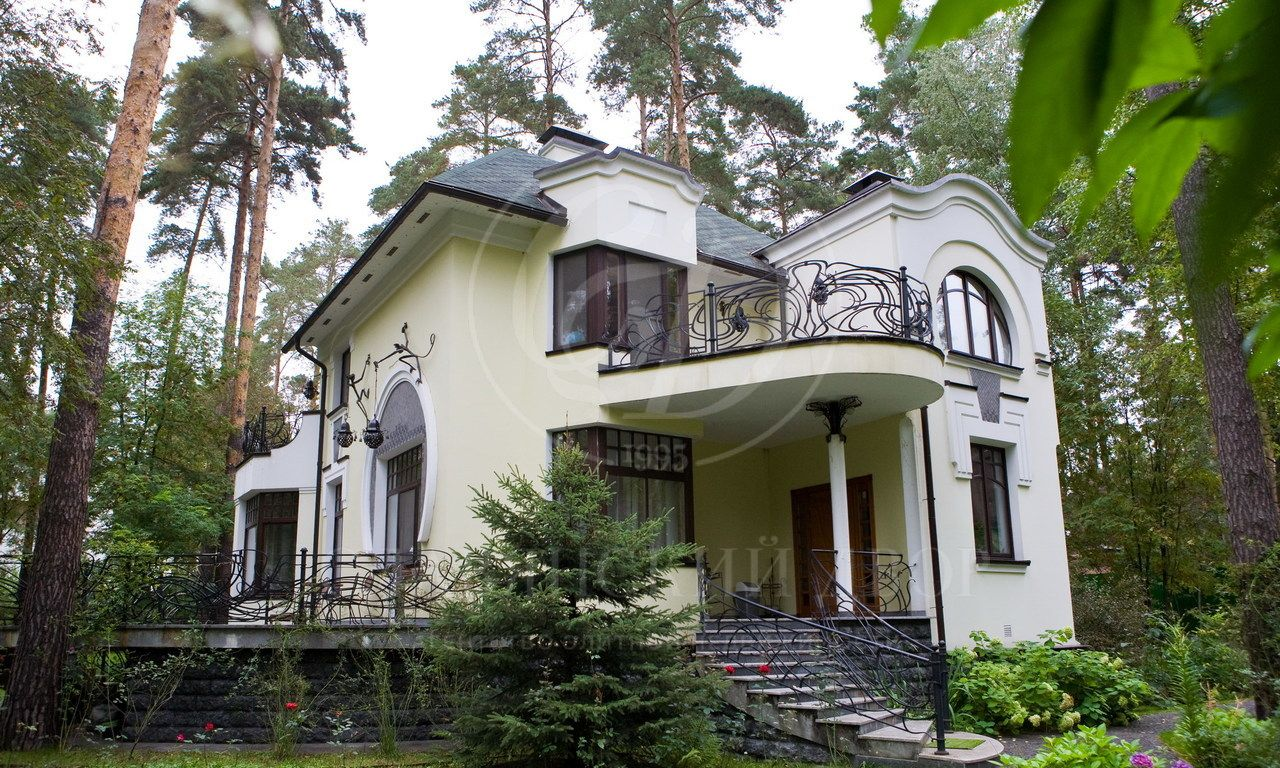На продажу дом впоселке Серебряные ключи