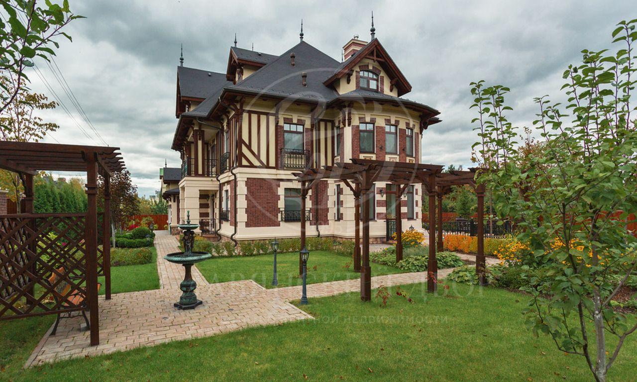 Новый дом внормандском стиле