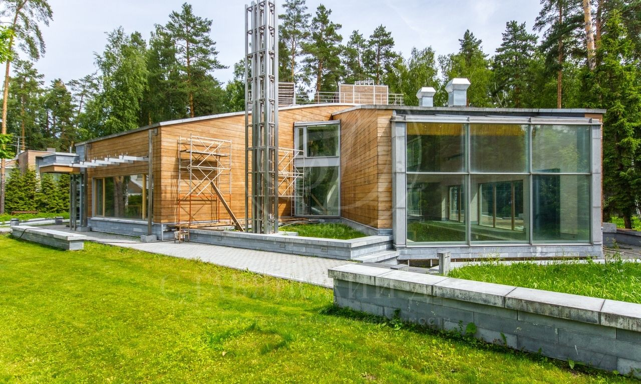 Современный дом встиле «Loft» савторским дизайном