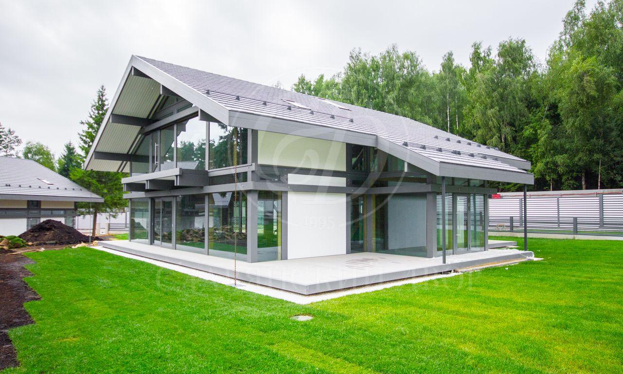 Новый современный дом вкамерном поселке