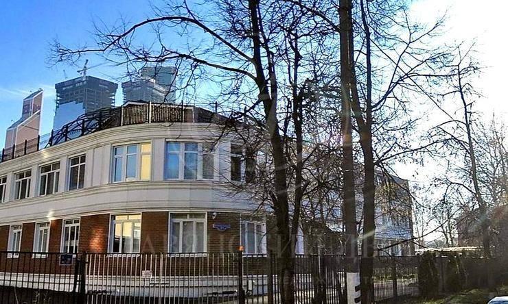 Продажа здания сзавораживающим видом на Москва Сити