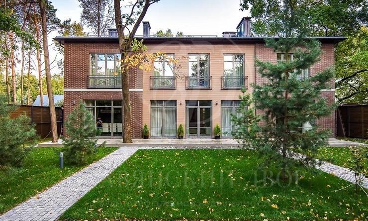 На продажу дом впоселке Жуковка Правая сторона