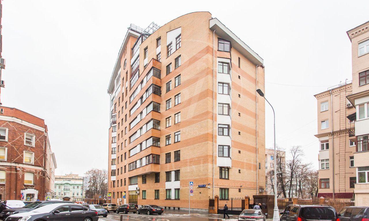 Уникальное предложение взнаменитом доме неподалеку от Кремля!