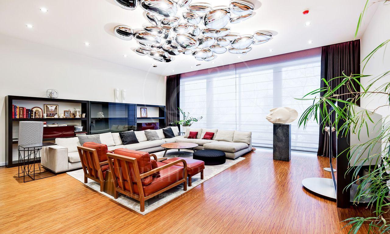 Просторная видовая квартира стеррасой