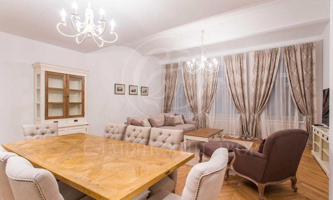 Комфортная квартира на Никольской