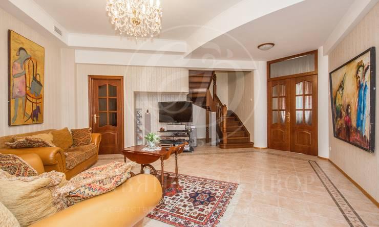Двухуровневая квартира вклубном доме вцентре Москвы