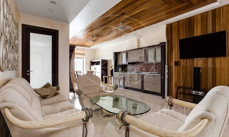 Стильная четырехкомнатная квартира вэлитном доме