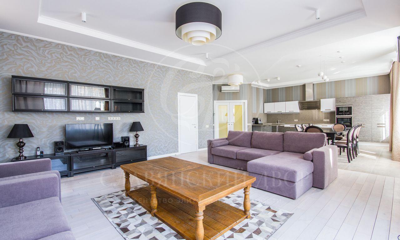 На продажу предлагается квартира на Барыковском переулке