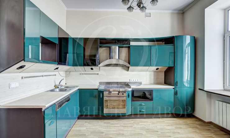 Прекрасная двухуровневая квартира  всамом престижном районе столицы