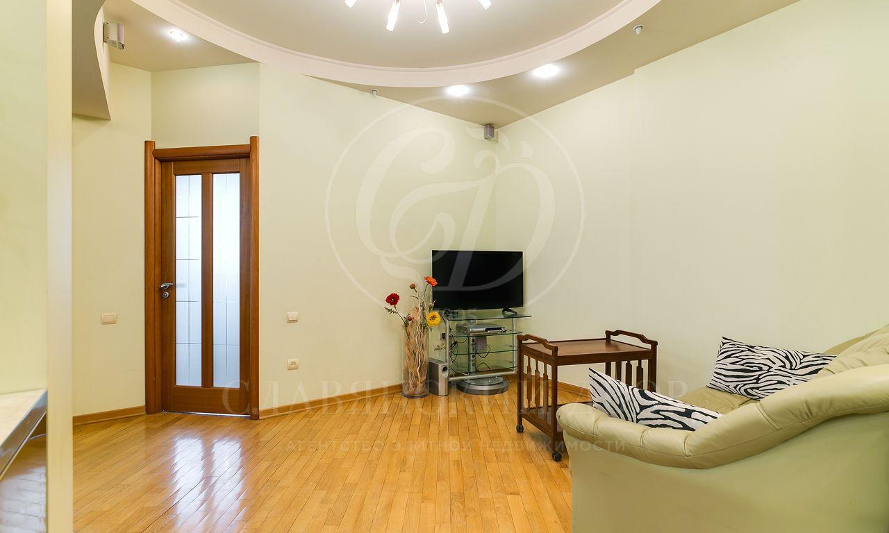 Предлагается квартира на аренду вдоме по адресу Кутузовский проспект 4/2