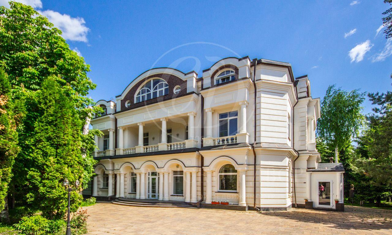 Дом влучшем поселке Жуковки