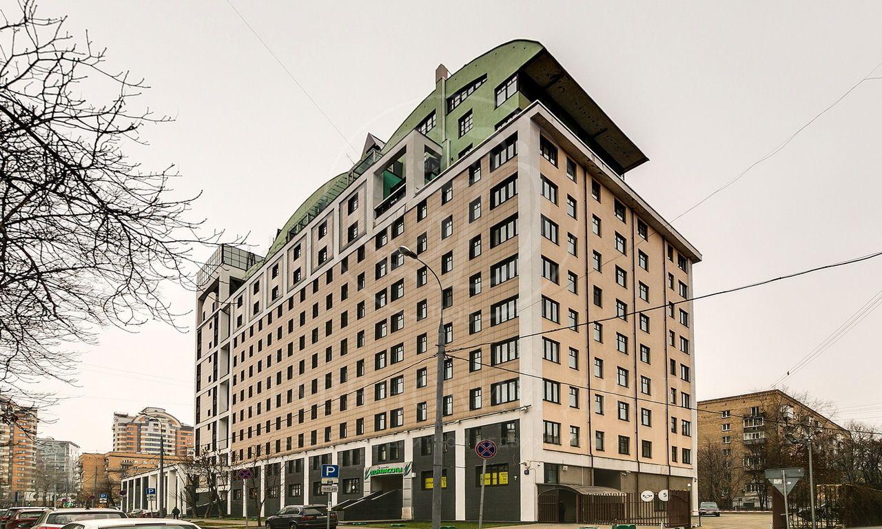 Предлагается четырехкомнатная квартира вэлитном жилом комплексе «Пять звезд»