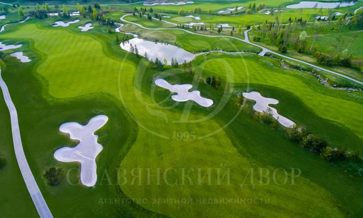 Участок свидом на гольф-поле