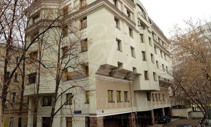 Продажа административного здания согороженной территорией