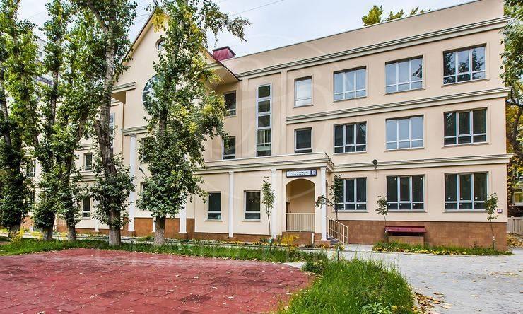 Продажа здания согороженной территорией. м.Проспект Мира