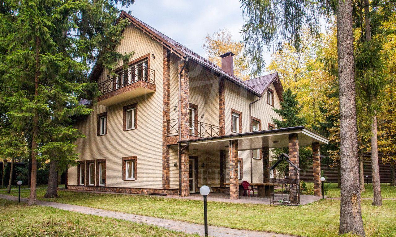 На продажу дом впоселке Назарьево