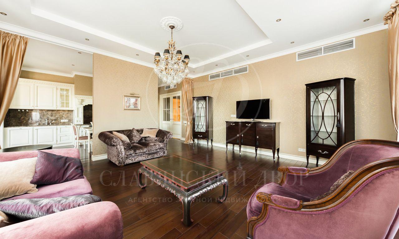 Предлагается на аренду шикарный пентхаус вклубном доме «Дом на Озерковской»!