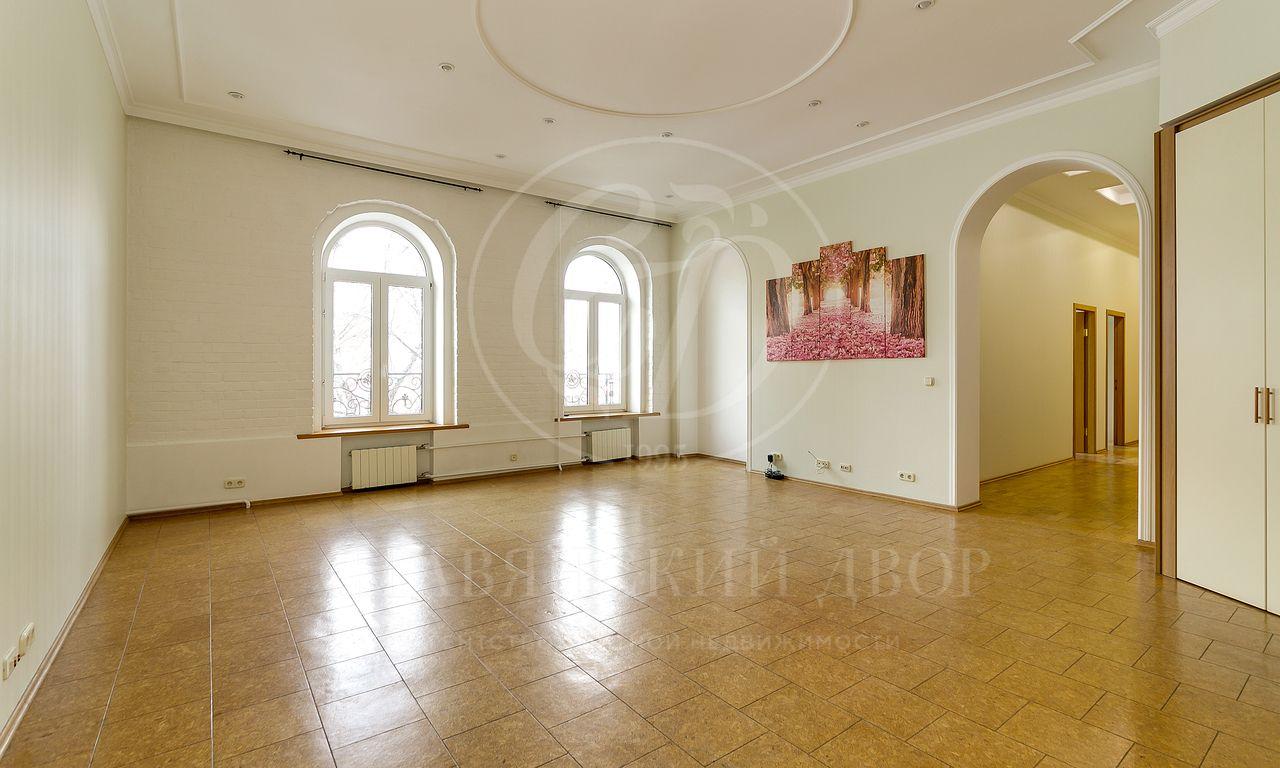 На аренду предлагается пятикомнатная квартира на Тверской!