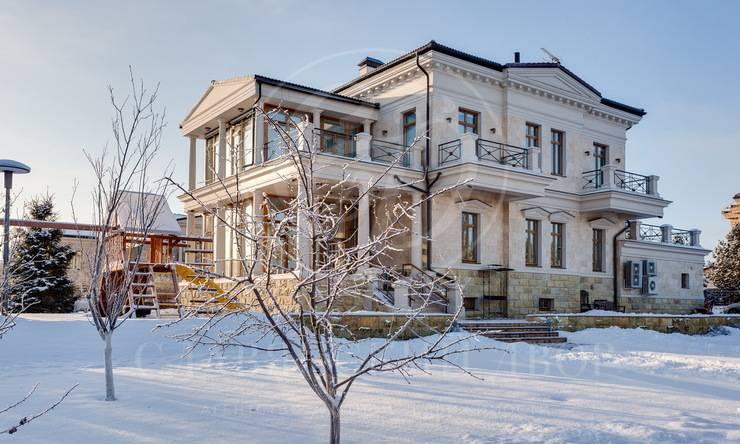 Дом сбассейном на Новой Риге