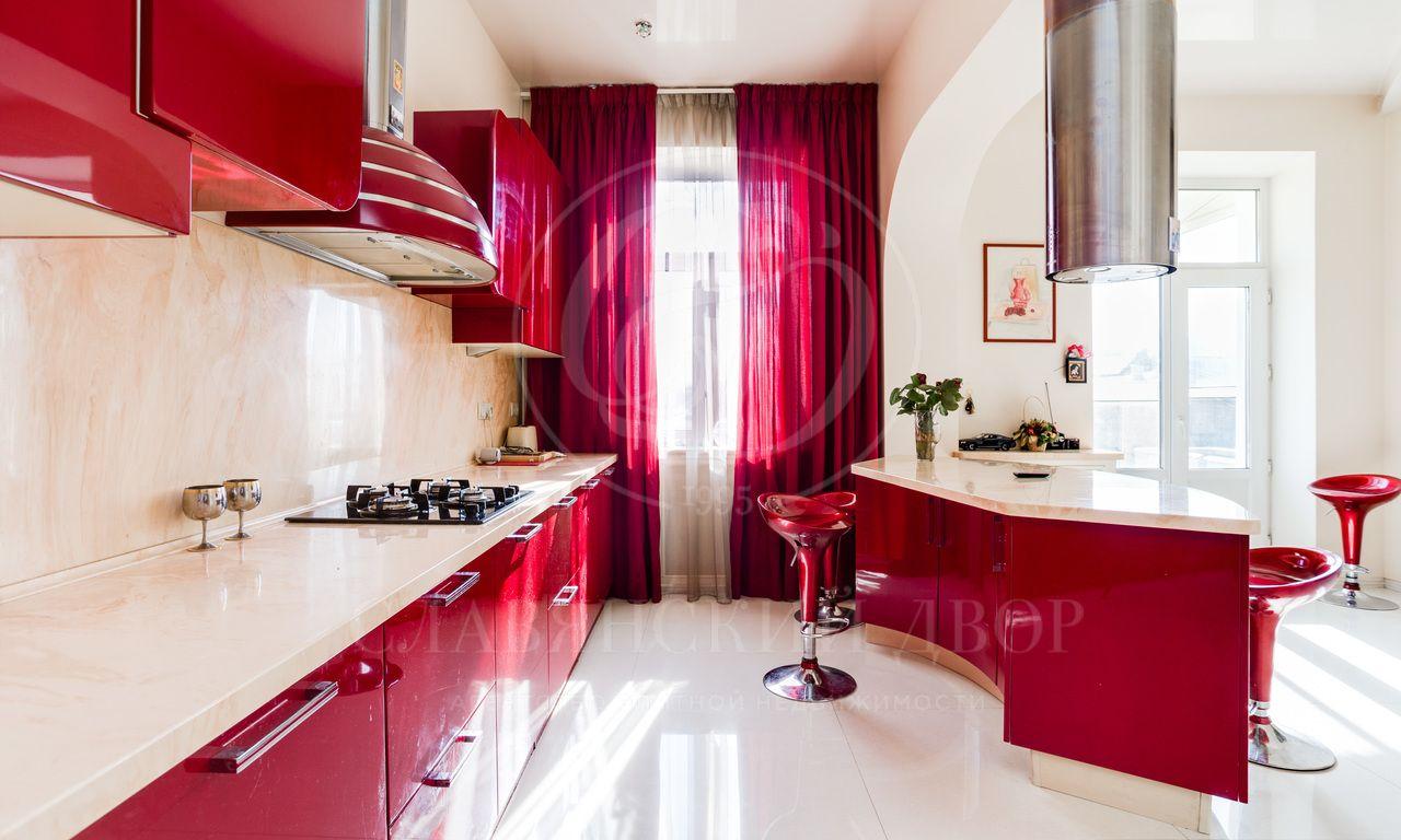Стильная 4-хкомнатная квартира всамом центре Москвы!