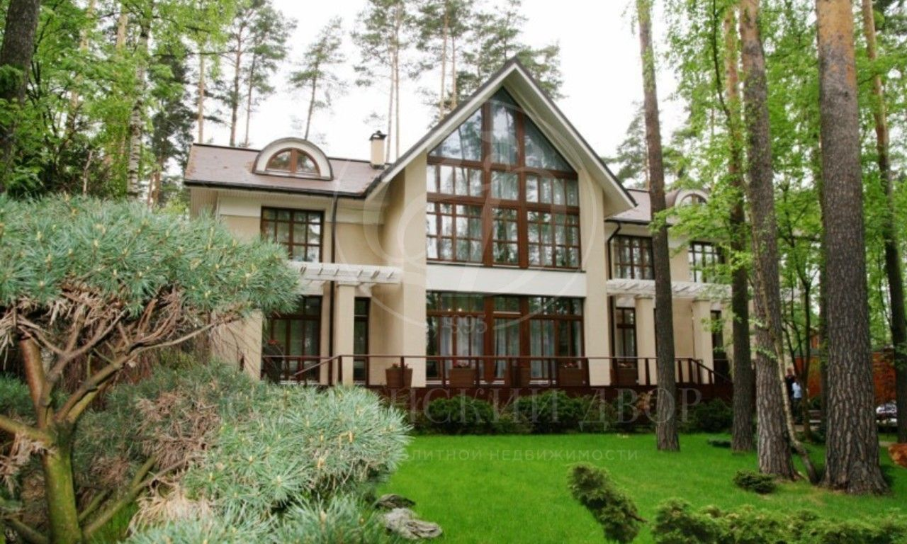 Варенду дом впоселке Жуковка Лес