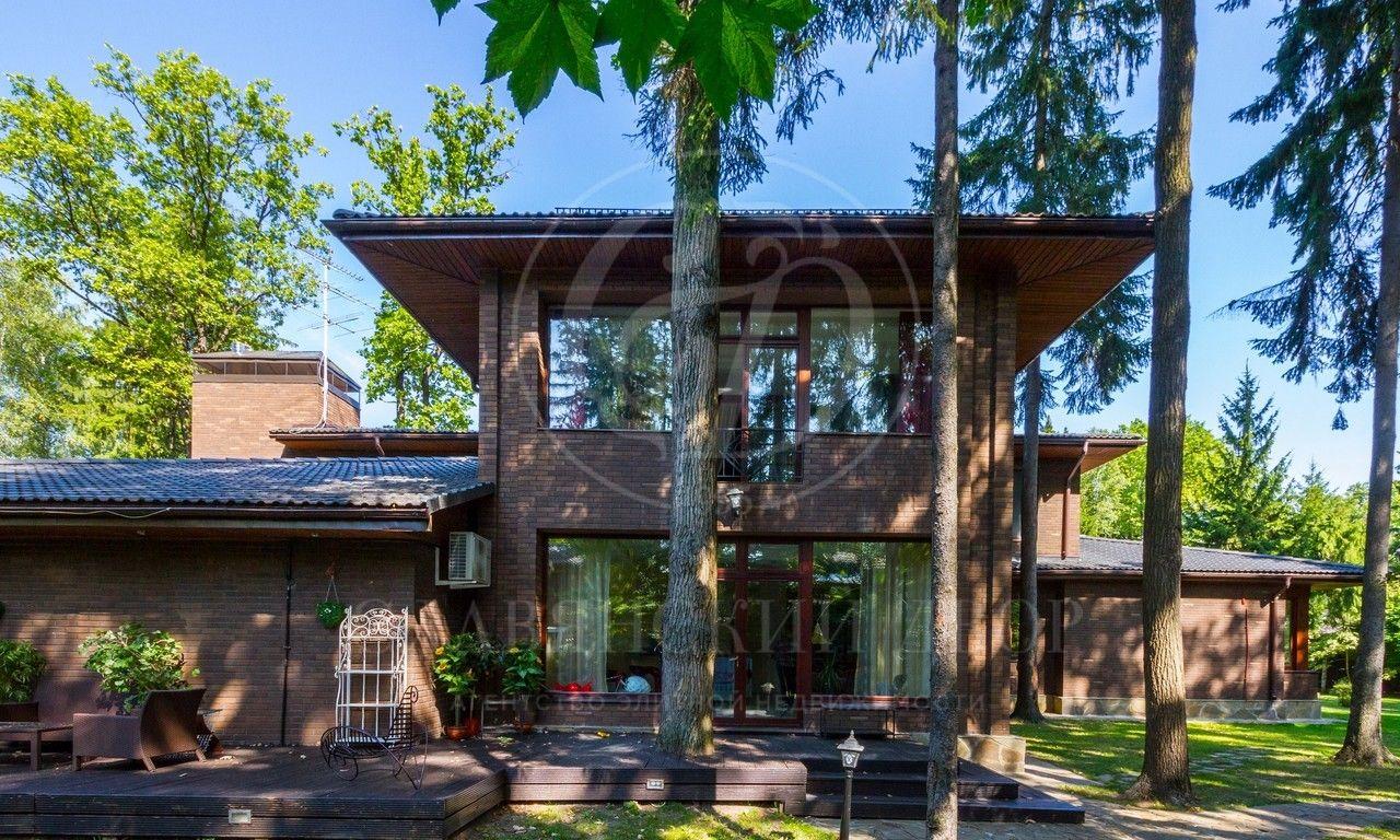 На продажу дом впоселке Лесной Ручей 3
