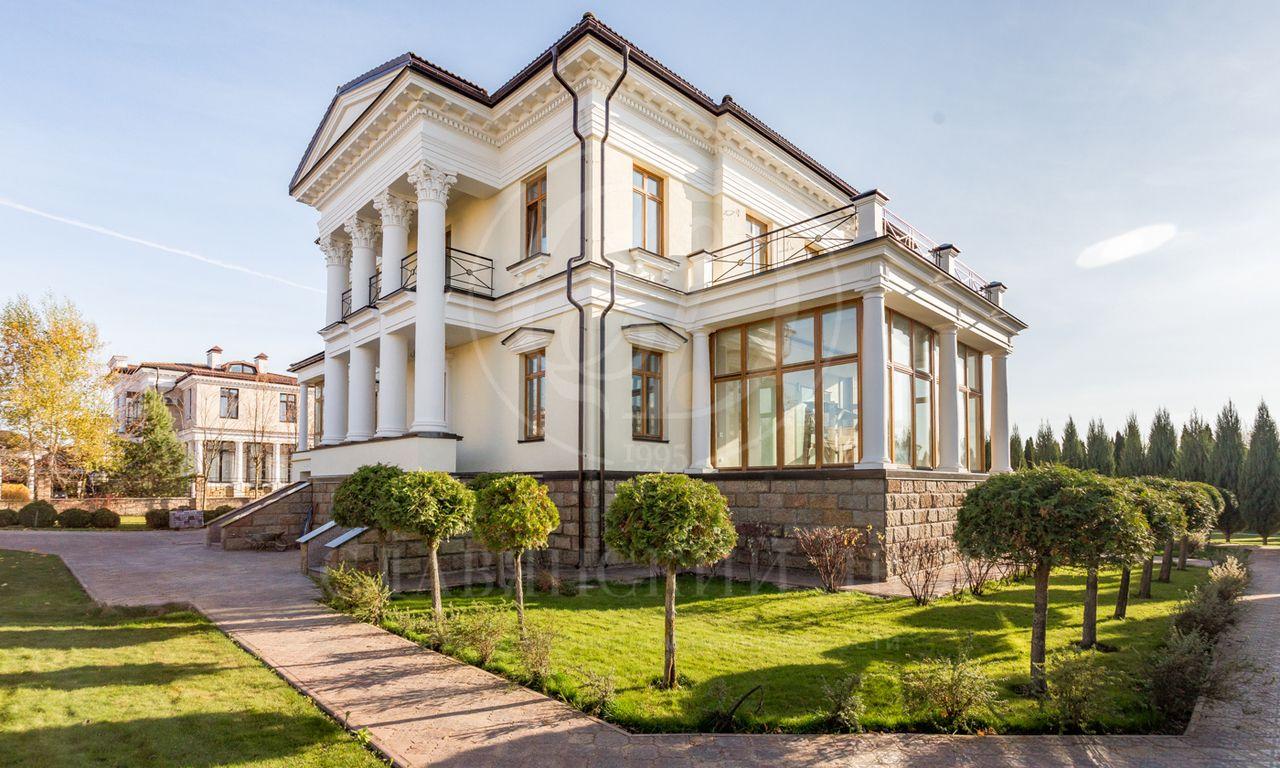 На продажу дом впоселке Монолит