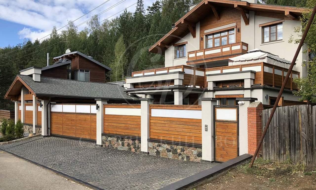 На продажу дом впоселке Красновидово