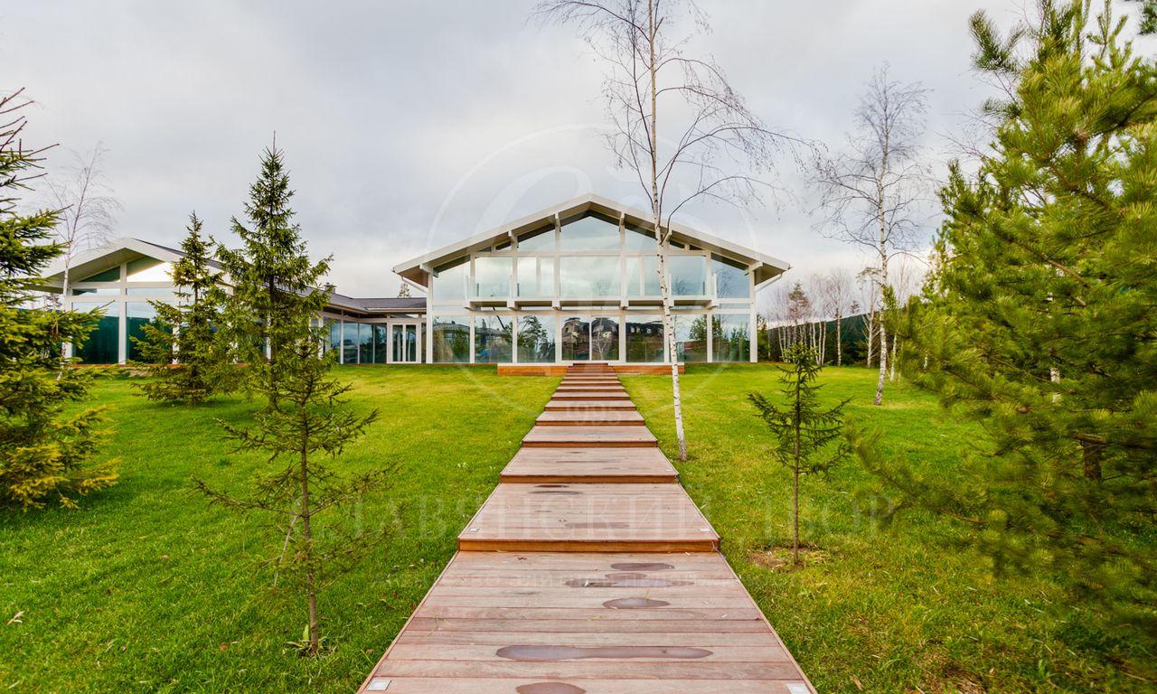 На продажу дом впоселке Агаларов Эстейт