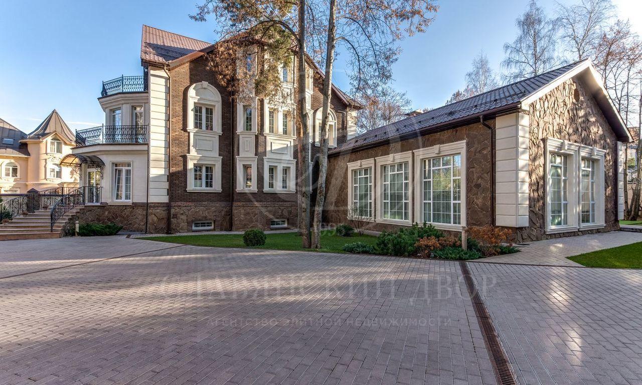 На продажу дом впоселке НПИЗ Барвиха