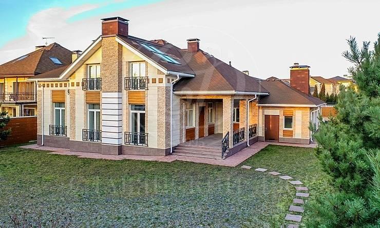 На продажу дом впоселке Резиденс Клаб