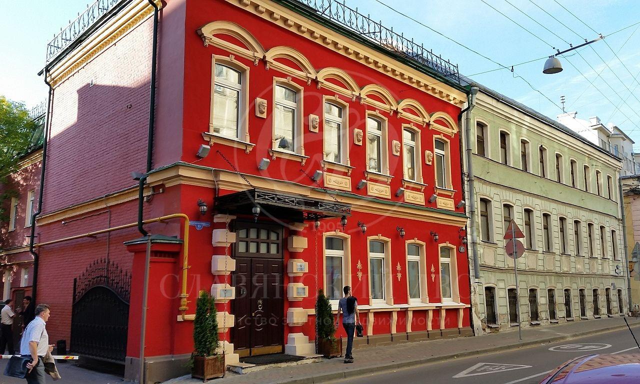 Старинный особняк XIX века