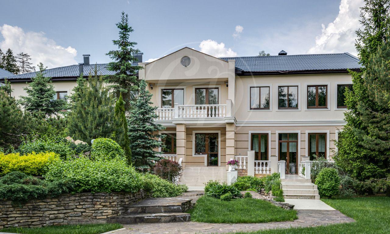 На продажу дом впоселке Голицыно-3