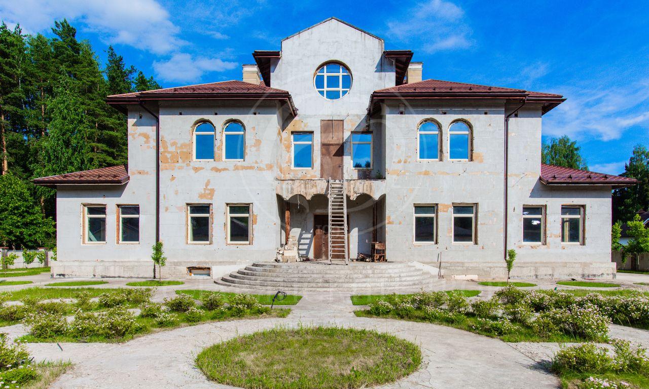 На продажу дом впоселке Обушковское