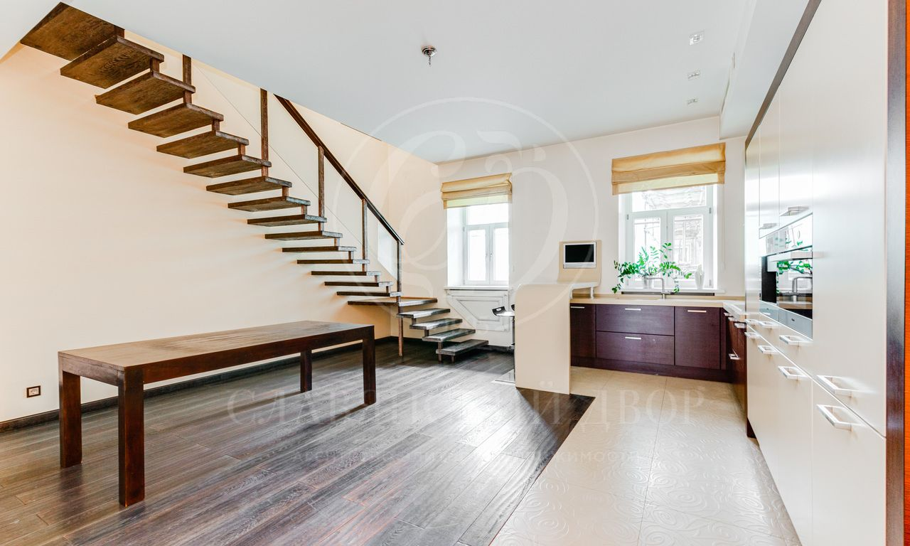 Продажа квартиры вэлитном доме на Арбате