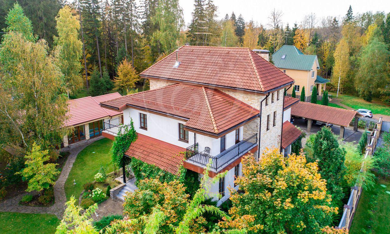 На продажу дом впоселке Вик