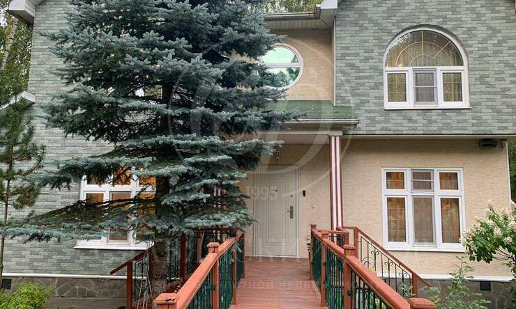 Варенду дом впоселке Княжье Озеро