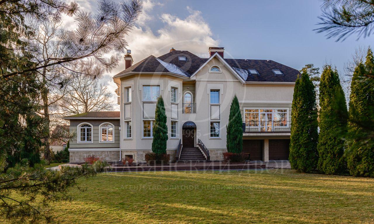 На продажу дом впоселке Жаворонки
