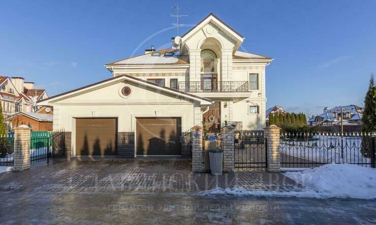 На продажу дом впоселке Крона