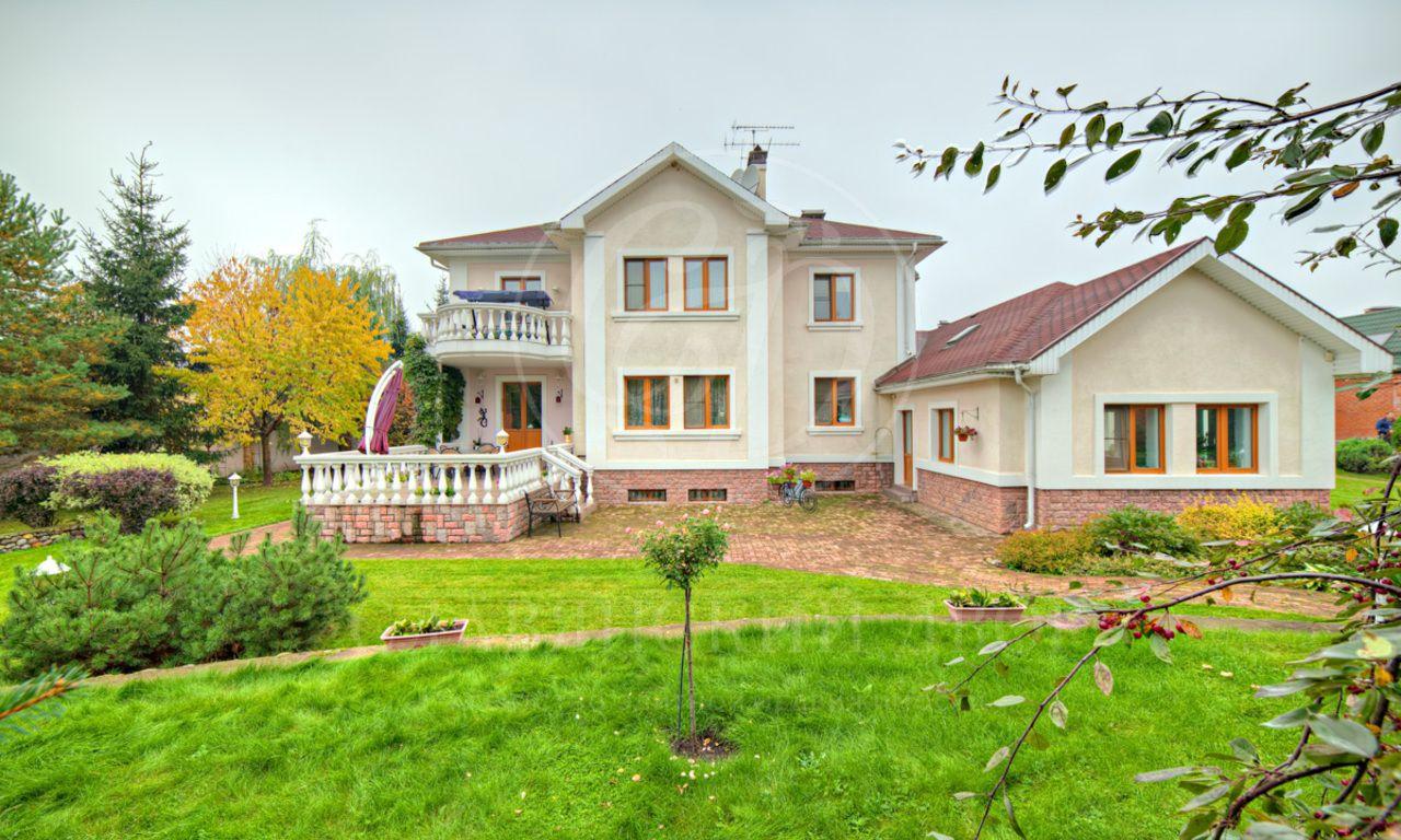 На продажу дом впоселке Летово