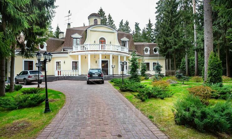 Варенду дом впоселке Шервуд