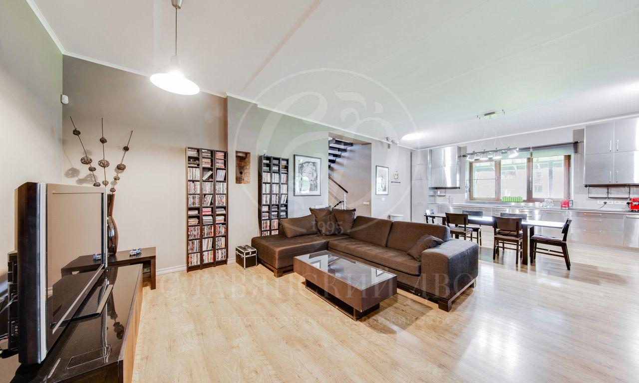 На продажу дом впоселке Петровское