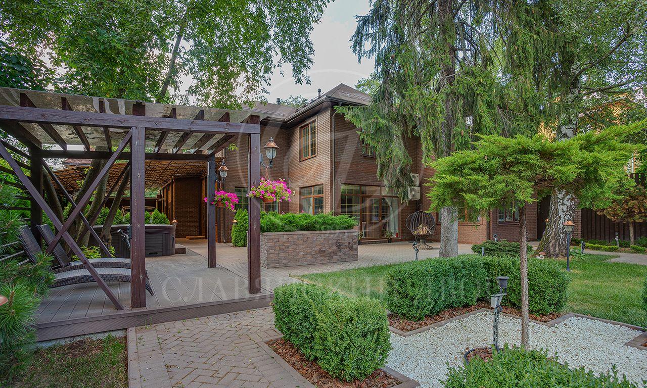 На продажу дом впоселке Лианозовский парк