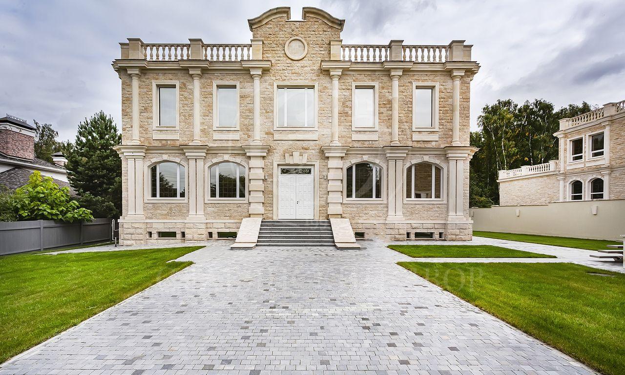 На продажу дом впоселке Петровский парк