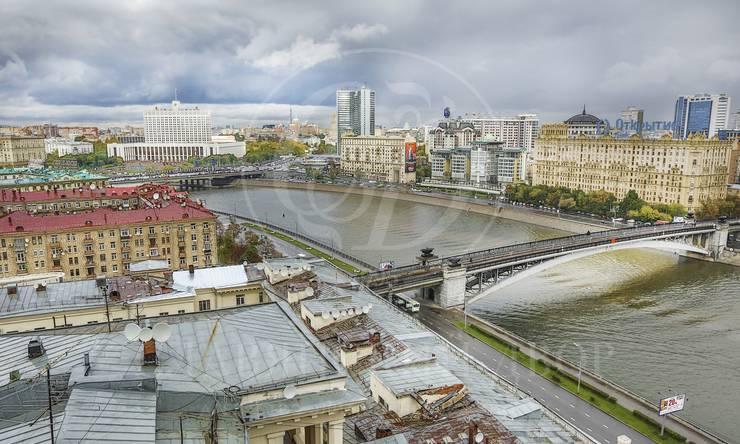 Двухуровневая квартира случшим видом на Москву