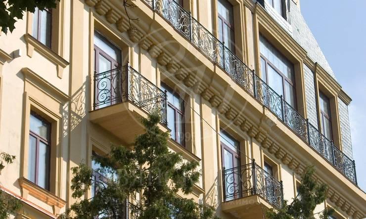 Трехсторонняя квартира вТрубниковском переулке