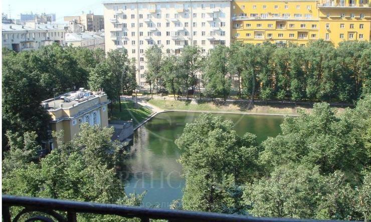 Доходный дом Вешнякова на Малой Бронной