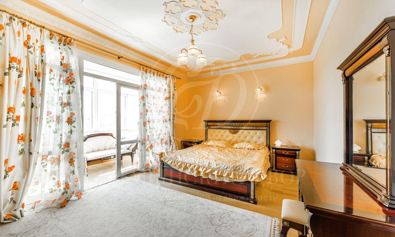 Уютная квартира вэлитном доме!